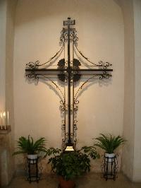 Foto Crocifisso in ferro battuto all'interno della Chieda della Greca