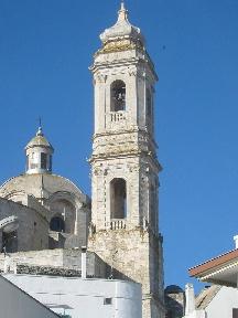 Foto del campanile della Chiesa Madre